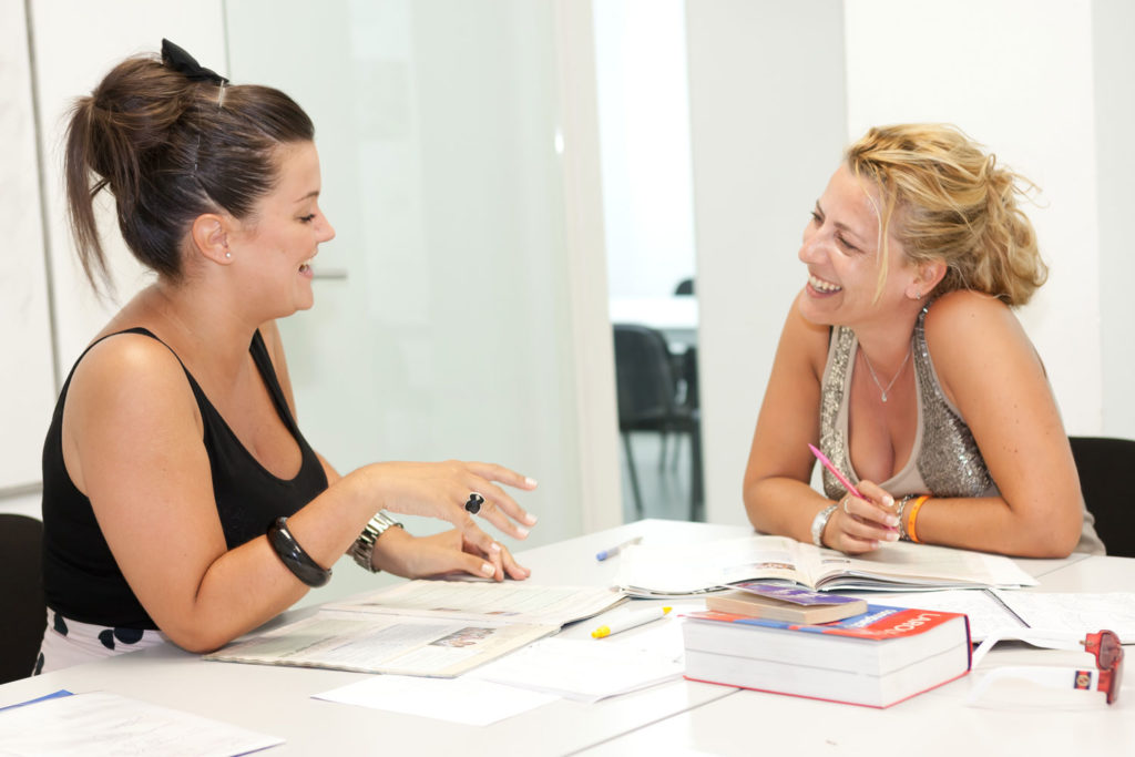 choosing a spanish course in spain individual