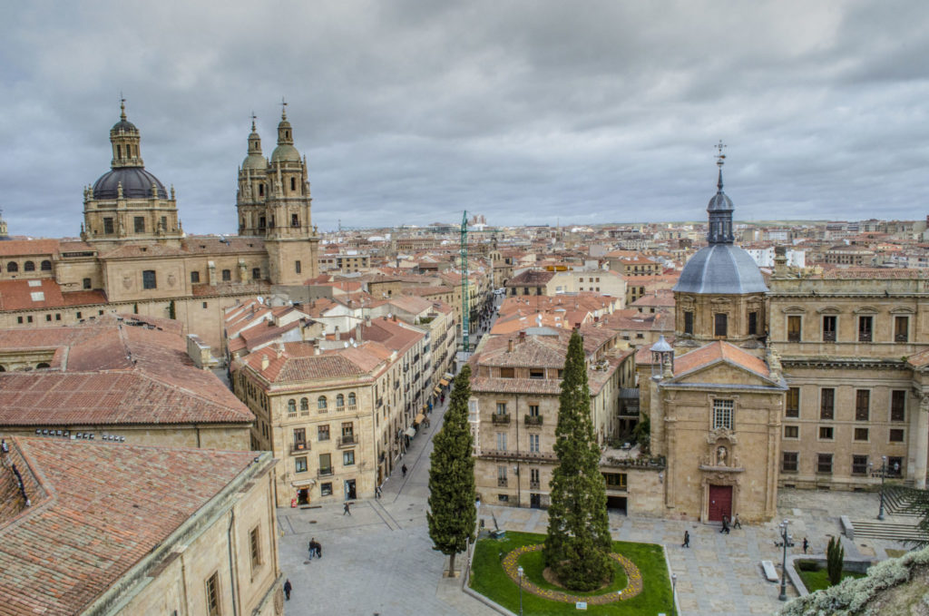 benefits of studying spanish in spain